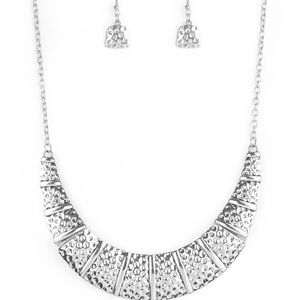 paparazzi Jewelry - Silver Necklace
